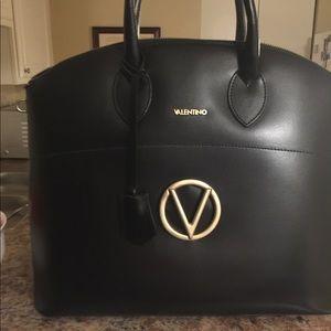 Classy classy Authentic Valentino bag